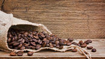 Koffiebonen verdrijven muffe geurtjes in huis