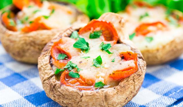 Recept gevulde champignons met pesto en tomaatjes