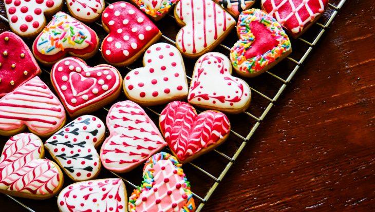 Recept valentijnskoekjes met feestelijke decoratie