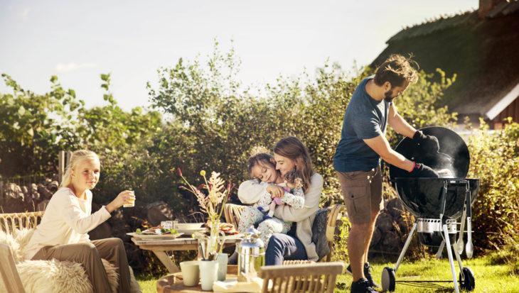 Genieten in de tuin met een barbecue en loungeset!