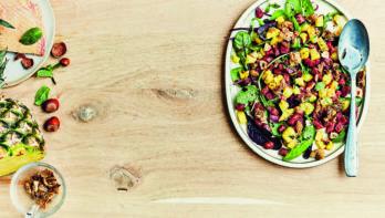 Heerlijke maaltijdsalade: tartaar van eend met ananas, hazelnoten en munt