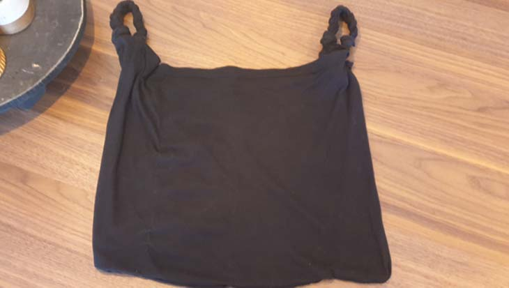 Oud shirt hergebruiken als opbergtas